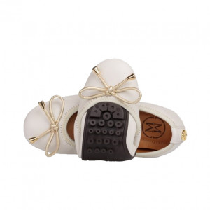 Cream minis shoes for girls